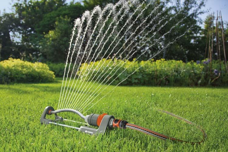 Choosing the best oscillating sprinkler