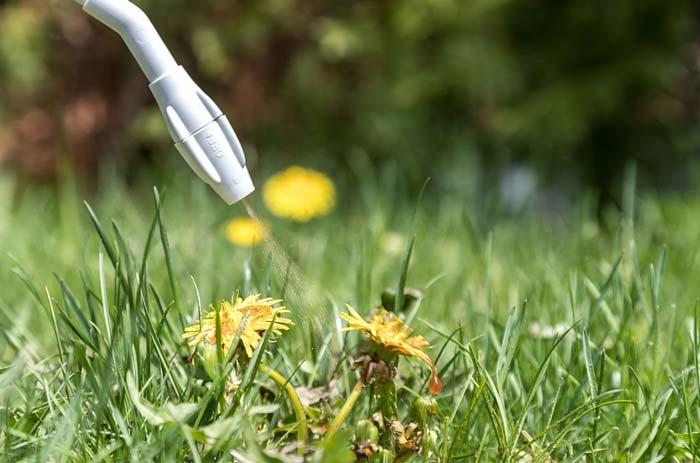 Garden sprayer nozzle
